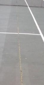 teniszpálya repedés